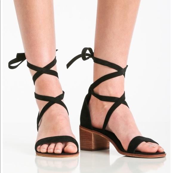 b2e8713813a Steve Madden Rizzaa laceup Sandal Size 10. M 5a82dcbb739d487136f884ef